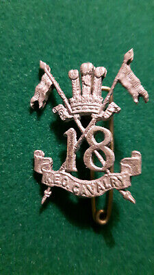 British INDIA -Rare cap badge : 18th LANCERS
