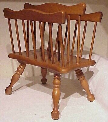Vintage Colonial Early Americana Style Turned Wooden Legs Maple Magazine Rack