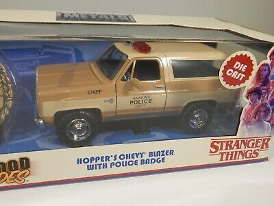 Metals Diecast STRANGER THINGS Hopper's Chevy Blazer w/ Badge HOLLYWOOD RIDES