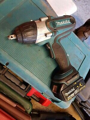 Makita DTW450Z 18V Cordless Impact Wrench + Batteries + Charger + Case