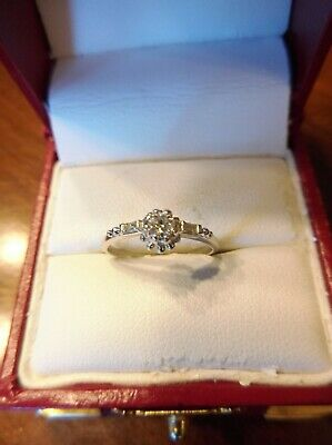 14K Solid White Gold .25ctw Diamond Engagement Ring    Size 6 (834)