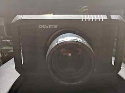 Christie DHD800 HD 1080p Theater Projector w LNS-W53 Short Zoom Lens & hard case