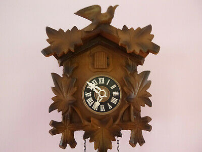 Vintage Albert Schwab Karlsruhe 1 day Cuckoo Clock working order