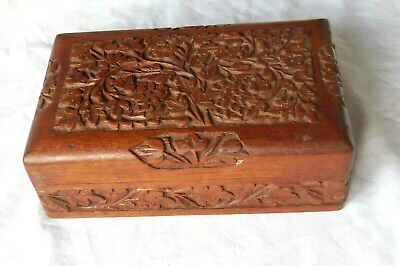 Vintage INDIAN WOODEN HAND CARVED TRINKET JEWELLERY BOX Lovely 20cm x 12.5 x 7cm