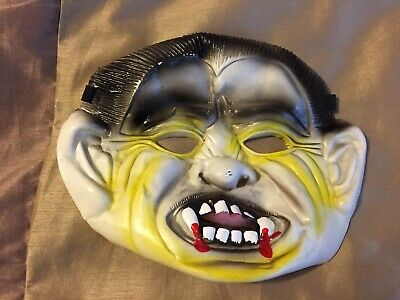 Vintage Dracula Halloween Rubber Adult Mask With Elastic Band