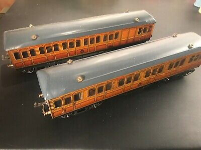 Pair of Vintage Hornby Tin O Gauge Electric Lighted Metropolitan Coaches, 1 & 3