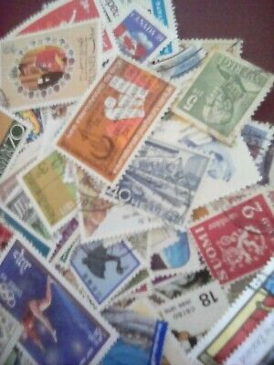 Whole World Stamp Assortment, 1000 stamps, all off paper and in good condition