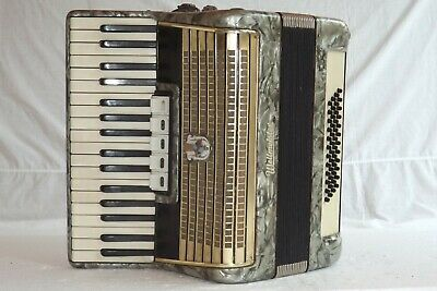 PIANO ACCORDION AKKORDEON WELTMEISTER 48 bass