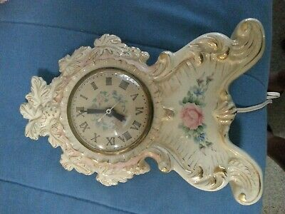 Vintage Hutch Mantle Clock 22 k Gold Trim USA 1940s FREE SHIPPING