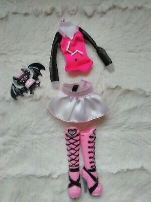 Monster High Draculaura's 1 st wave outfit