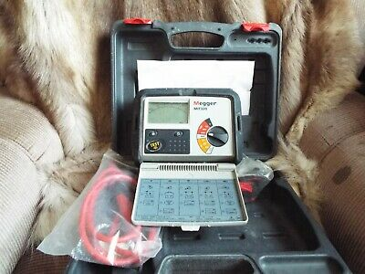 Megger MIT320 Insulation Tester Calibrated till 26.07.2020 used