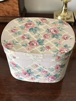Vintage Band Box, Antique Wallpaper