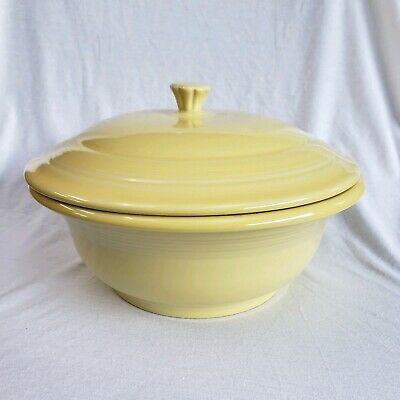 Fiestaware Homer Laughlin Covered Casserole Dish Retired Pale Yellow