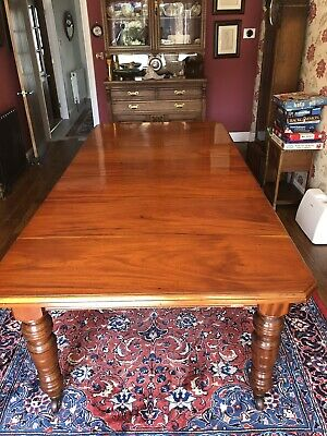 Mid 19Th Century  Walnut Extending Dining Table