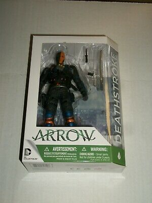 DC Collectibles Arrow DEATHSTROKE Action Figure MISSING ONE KNIFE