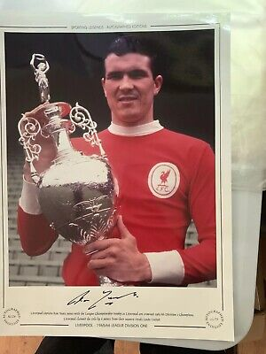 LIVERPOOL 60s LEGEND & CAPTAIN RON YEATS SIGNED PIC REALLY NICE ITEM £25