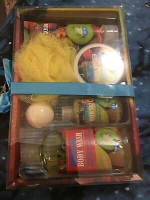 Tropical Body Care Gift Set