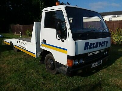 Mitsibushi canter lwb recovery truck spares or repair good runner