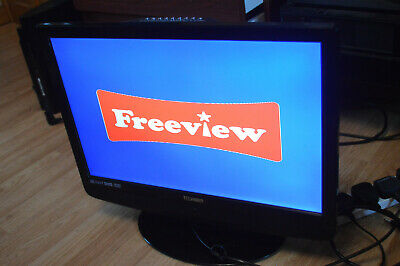 TECHNIKA 40 INCH HD TV FREEVIEW 3YEARS OLD with in built dvd