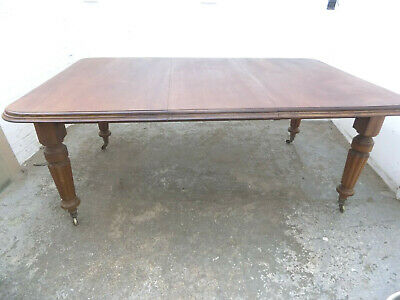 dining table,fluted legs,castors,kitchen,dining room,antique,victorian,mahogany