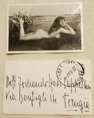 Little postcard of a NUDE WOMAN with envelope and stamp, ITALY 1936, 100x60mm