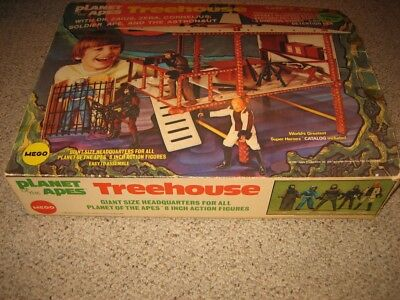 "MEGO PLANET OF THE APES TREE HOUSE GIFT SET NIB- RARE w/ 8"" Figures-1974"