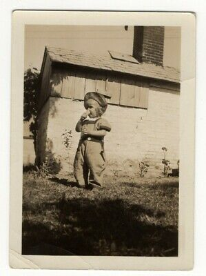Vintage Photo Antique Small Girl Eating Ice Cream Cone DST1