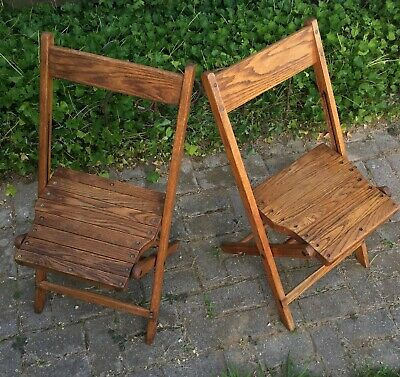 VINTAGE SNYDER ANTIQUE WOOD OAK WOODEN FOLDING CHAIRS SET OF 2 Nice