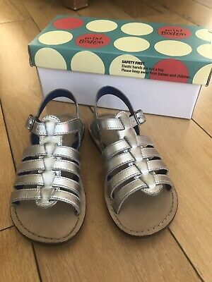 Girl's Mini Boden silver gladiator leather sandals. Size 27.