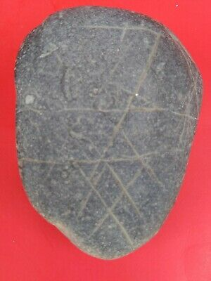 Indian Artifacts Engraved Cross Hatch Pattern Pebble Arrowheads