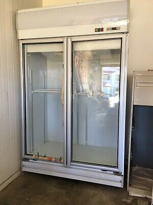 Commercial refrigerator only used 3days. Size 203cmH 127cmW 75 cmD