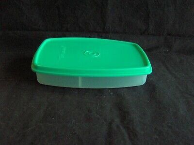 TUPPERWARE RECTANGLE PACKETTE DIVIDED SNACK CONTAINER # 813 Sheer Aqua lid