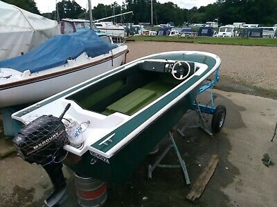 Broom Saturn Speedboat & Refurbished Trailer - Repainted With Many New Parts