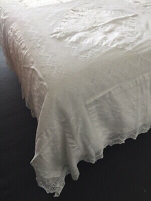 Vintage Antique Victorian Embroidered Bedspread Tablecloth