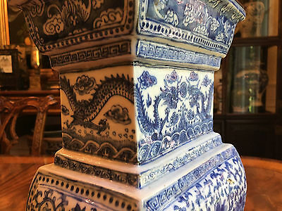 A Large Chinese Antique Blue & White Censer Porcelain Vase with Rosewood Cover.