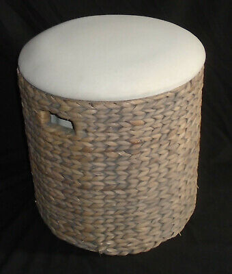 Vintage Wicker Laundry Basket Clothes Hamper with lid. 18 inchs x 17.
