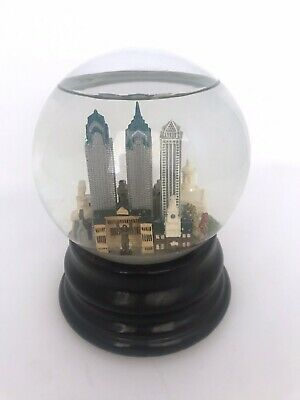 Saks Fifth Ave Philadelphia Philly Musical Snow Globe Retired