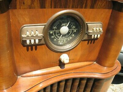 Very nice ZENITH Black dial console radio 1940 delivery avail