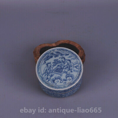 Old Chinese Blue White Porcelain Ancient Figure Old Man Play Weiqi Chess Mud Box