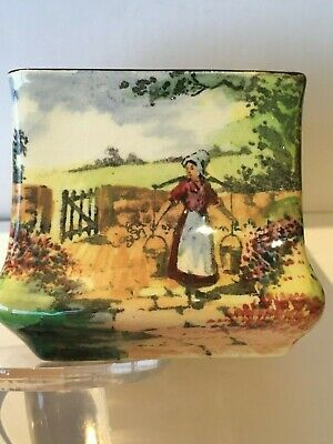 ROYAL DOULTON  VASE - MAID IN THE COUNTRY - D 4932 - c 1913 - 6cm