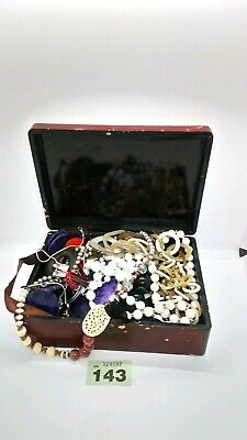 Mixed job lot vintage/modern jewellery with vintage jewellery box