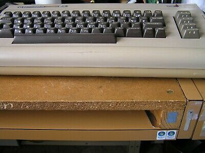 Commodore 64 Computer Vintage may need a sid  ic 6581  It is in good condition