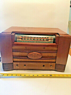 Antique GE Table Top Wood TUBE AM Radio Shortwave Model UNTESTED