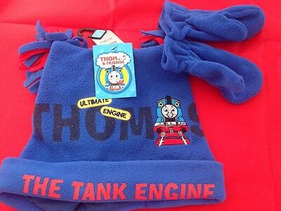 BNWT BoysThomas The Tank engine Hat And Mittens Gloves Age 3-5 Years NEXT