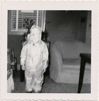 STRANGE! Old VTG Abstract UNUSUAL 50s SNAPSHOT Photo SPACEMAN HALLOWEEN COSTUME
