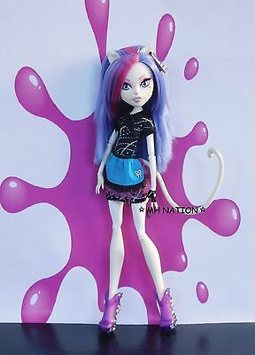 Monster High Abbey Bominable's CLASSROOM HOME ICK Outfit