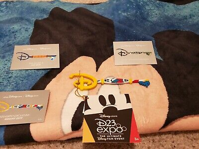 D23 Expo 19 Exclusive Disney Store Key Mickey & Minnie Key Cards 1 5 6 and Towel