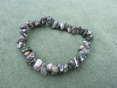 PRESELI BLUESTONE Crystal Chip Bracelet Elasticated STONEHENGE