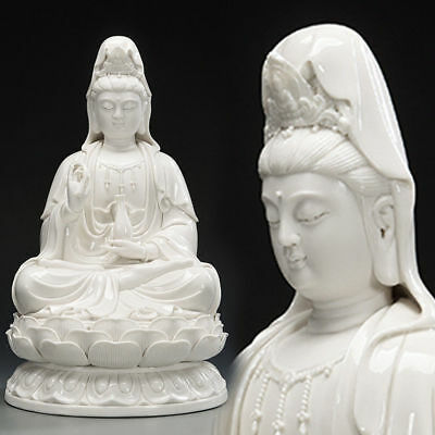 Dehua Porcelain South China Sea Kwan-yin Guanyin Bodhisattva Hold Vase Statue
