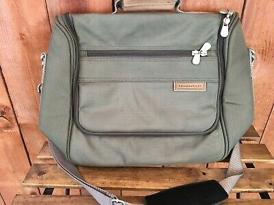 BRIGGS & RILEY Travel Carry On Messenger Crossbody Bag Green